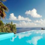 Yogarejse-pool-Madeira