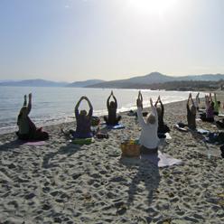 yogarejse-morgenstrand
