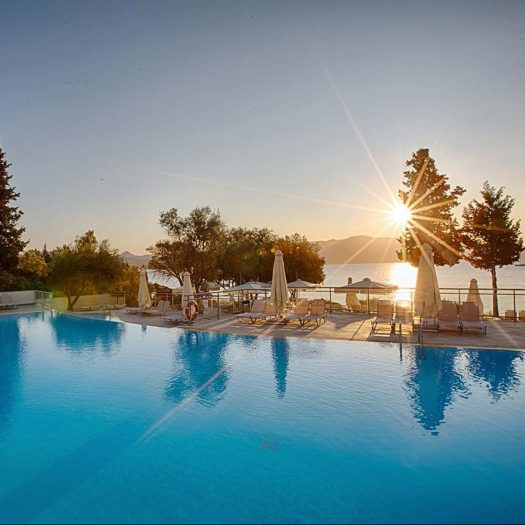 Pool-hotel-Lefka